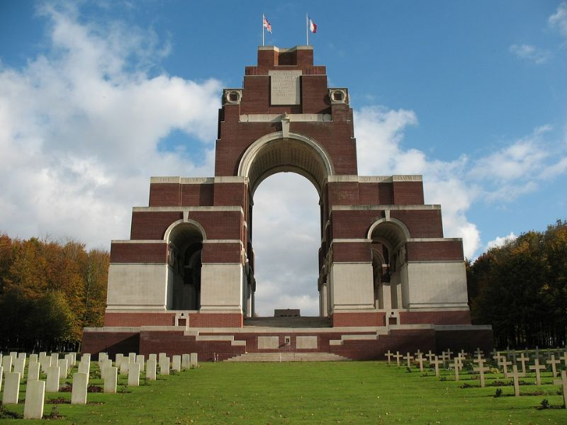 Flanders & Somme Battlefield Tour - Image 2