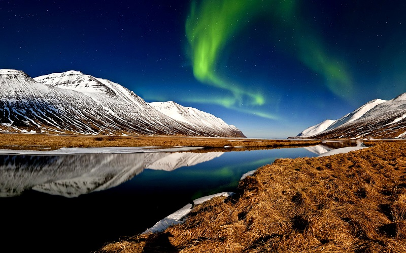 Iceland – Search for the Northern Lights - Image 1
