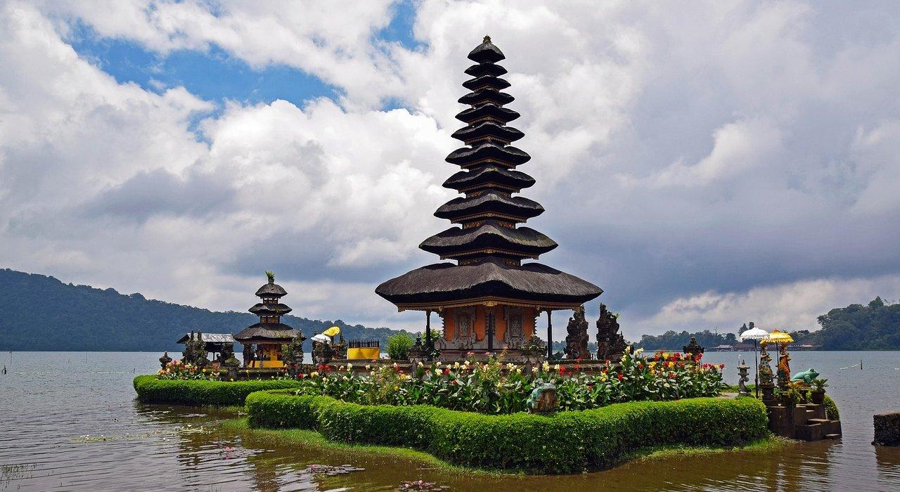 Singapore, Bali & Kuala Lumpu - Image 1