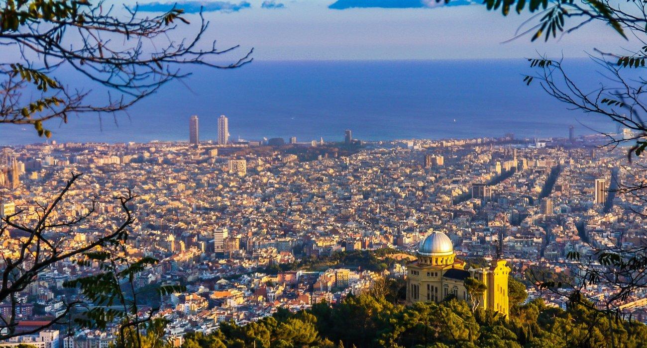 Barcelona Autumn Citybreak - Image 2