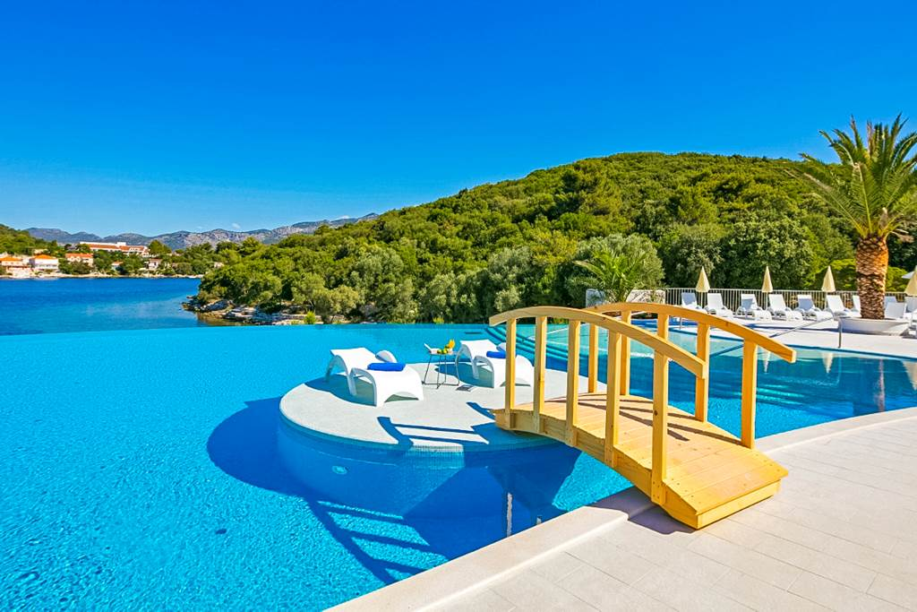 4* LUXURY IN CROATIA - Image 1