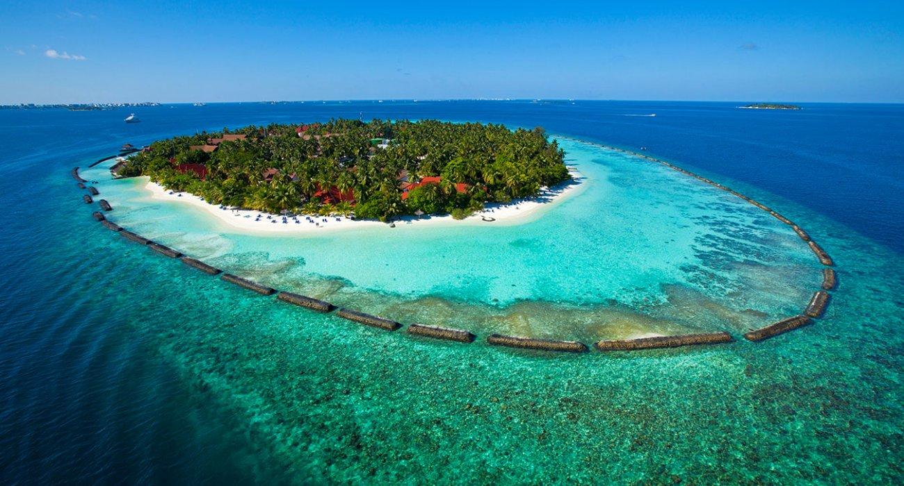 Luxury Maldives Family Summer Hols - Image 1