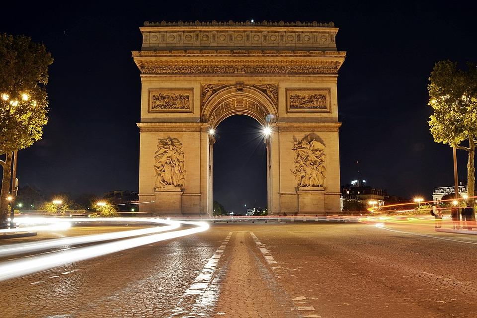 Springtime Paris France City Break - Image 1
