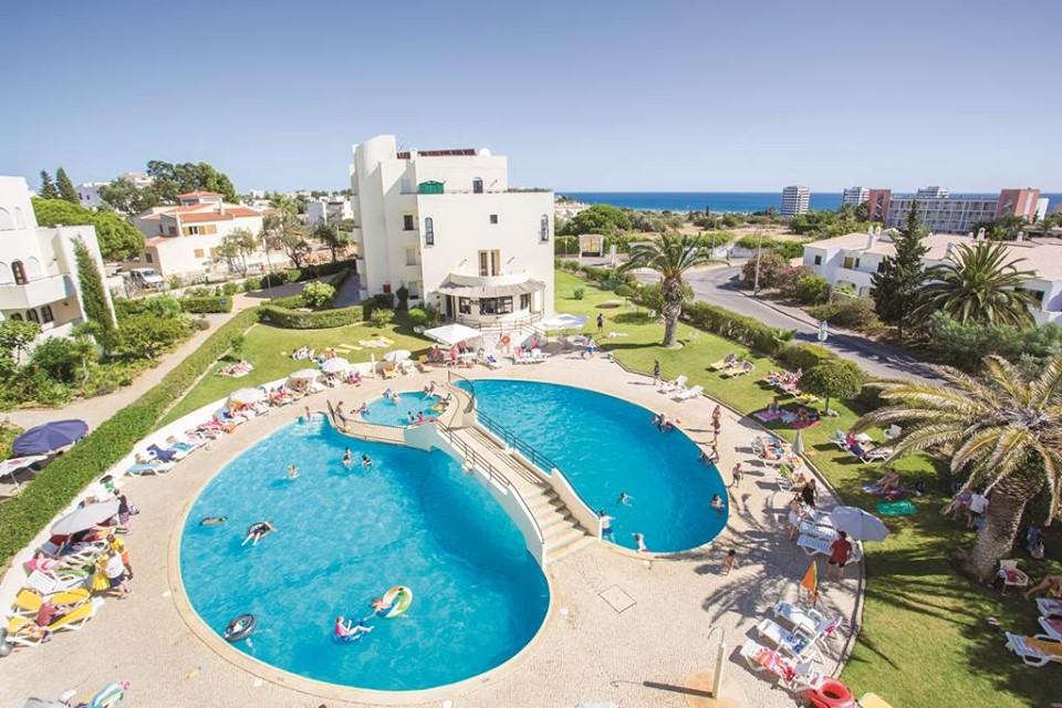 Last Min Peak Algarve Family Bargain - Image 1