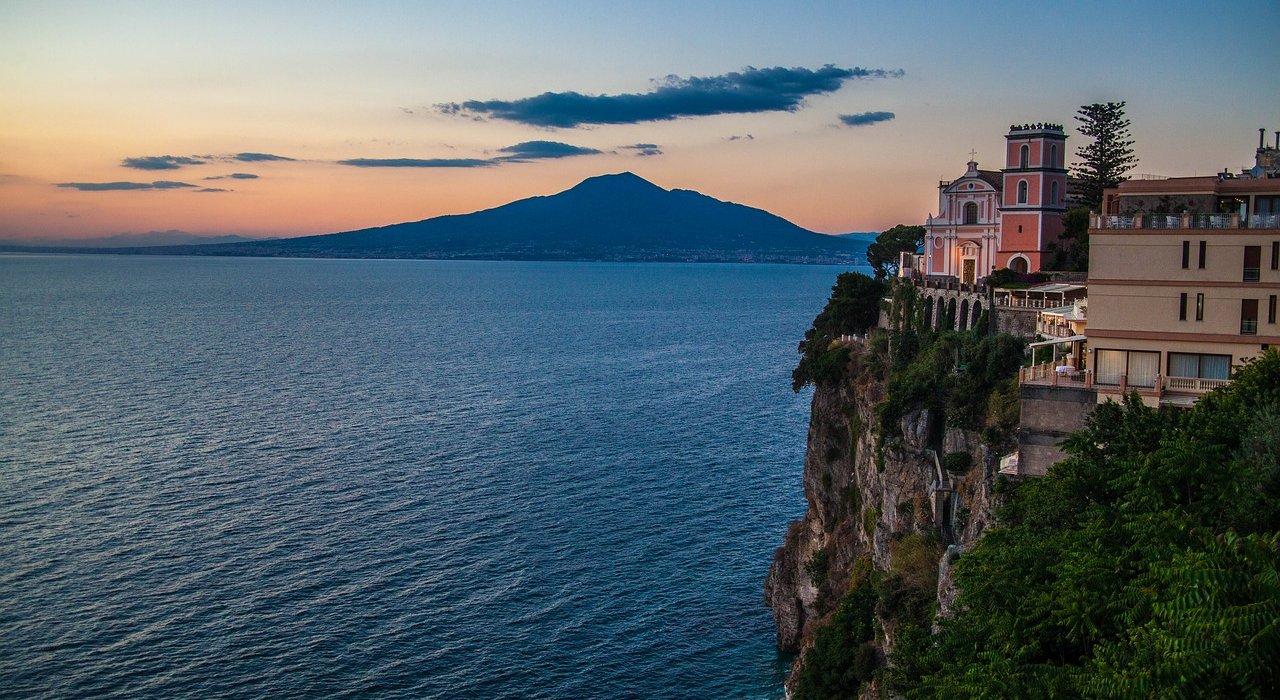 Sorrento, Amalfi Coast, Pompeii & Vesuvius - Image 2