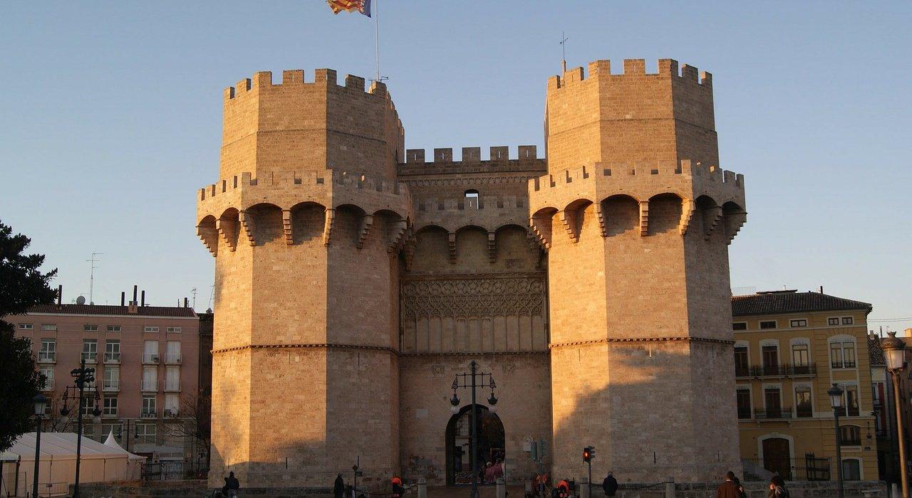 4* Valencia Citybreaks - Image 2