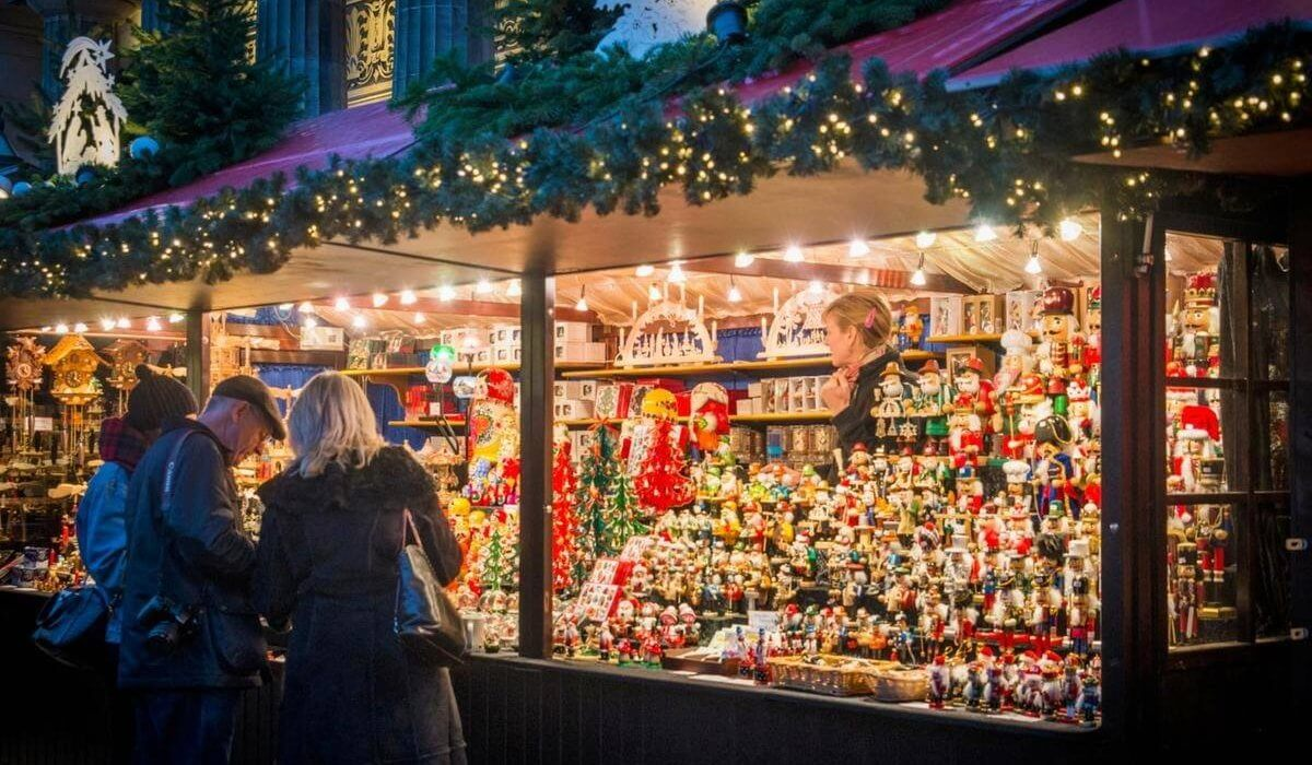 Edinburgh Scotland Christmas Markets - Image 3