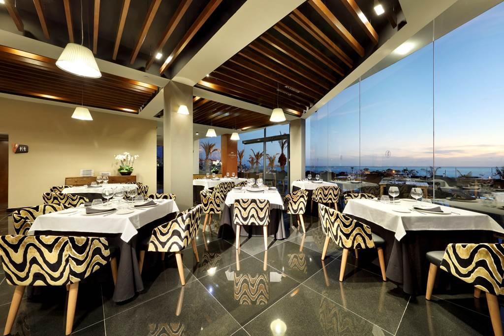 Perfect 5* Tenerife Xmas present - Image 3