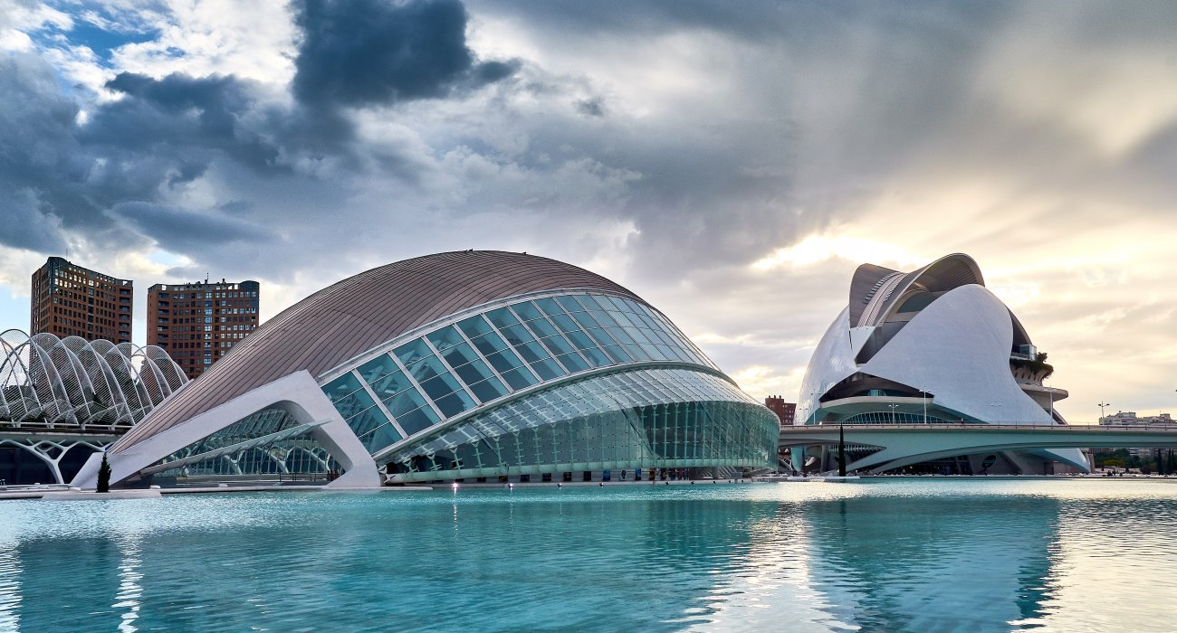 4* Valencia Citybreaks - Image 1