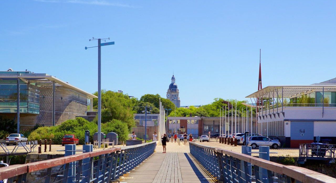 Short Sun Break To La Rochelle - Image 6