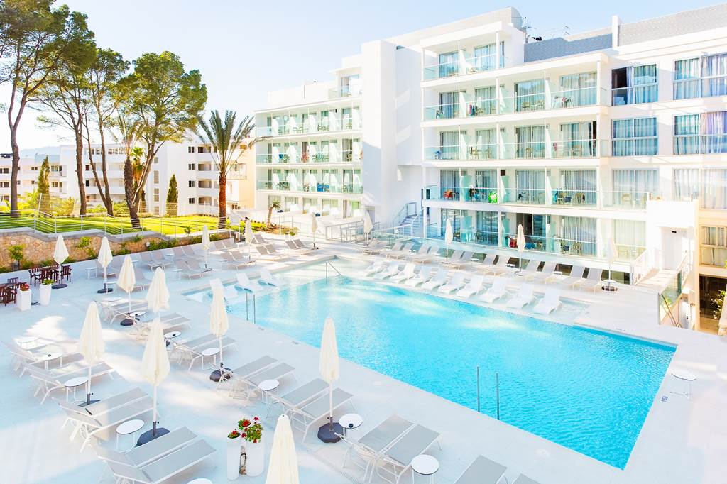4* Adults Only Santa Ponsa - Image 4