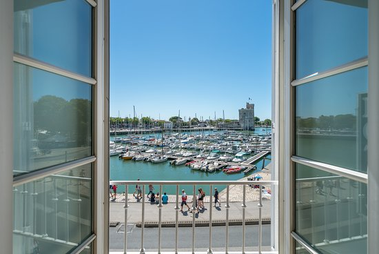 Short Sun Break To La Rochelle - Image 4