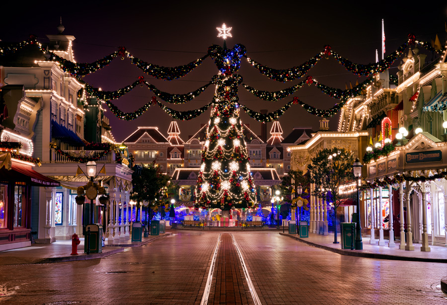 Most Magical Time Of The Year Disneyland Paris - Image 1