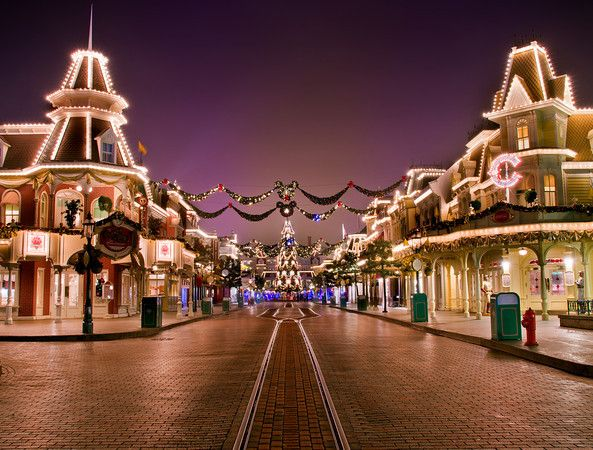 Most Magical Time Of The Year Disneyland Paris - Image 7
