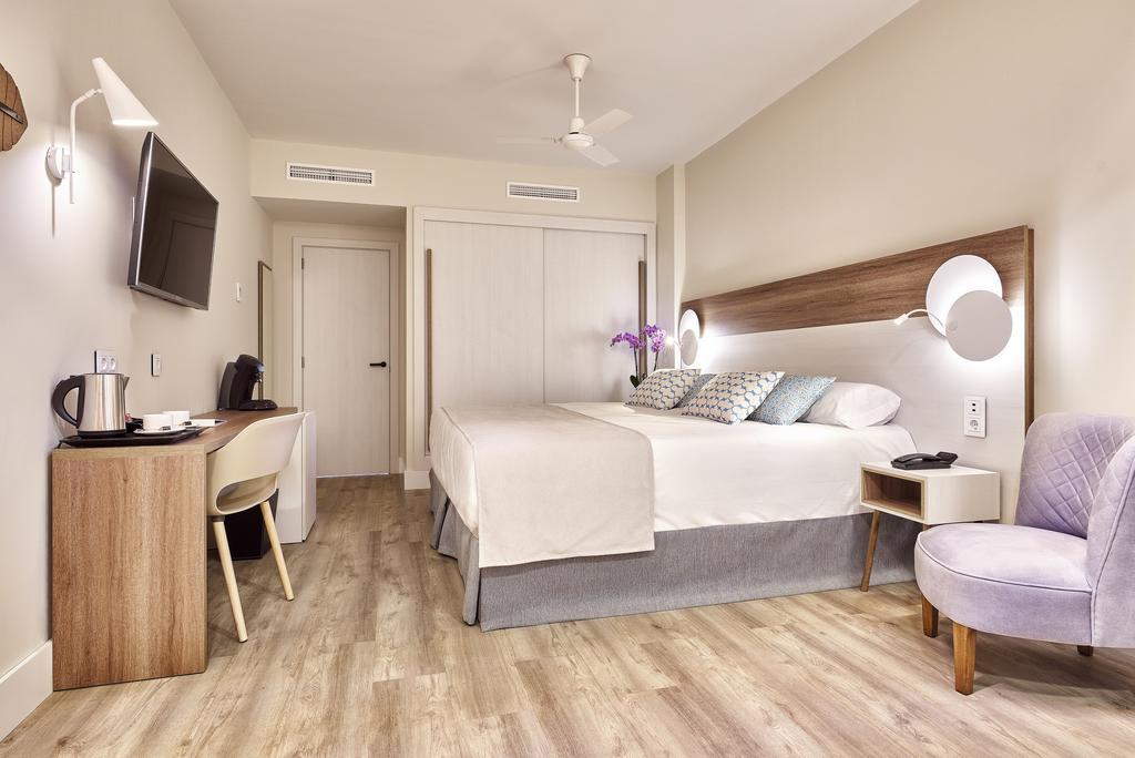 Brand new 4* Hotel Costa Del Sol - Image 2
