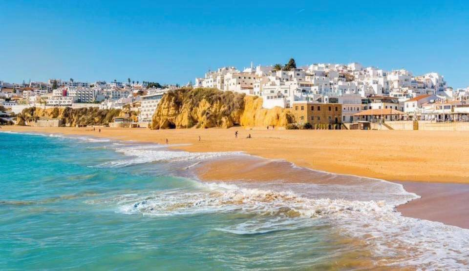 4* Algarve Weekend Break - Image 1
