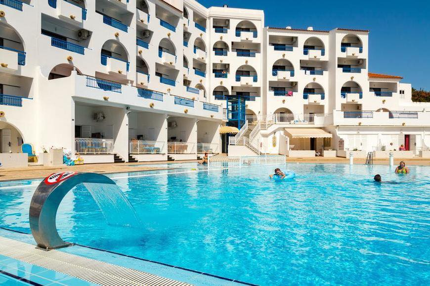 4* Algarve Weekend Break - Image 2