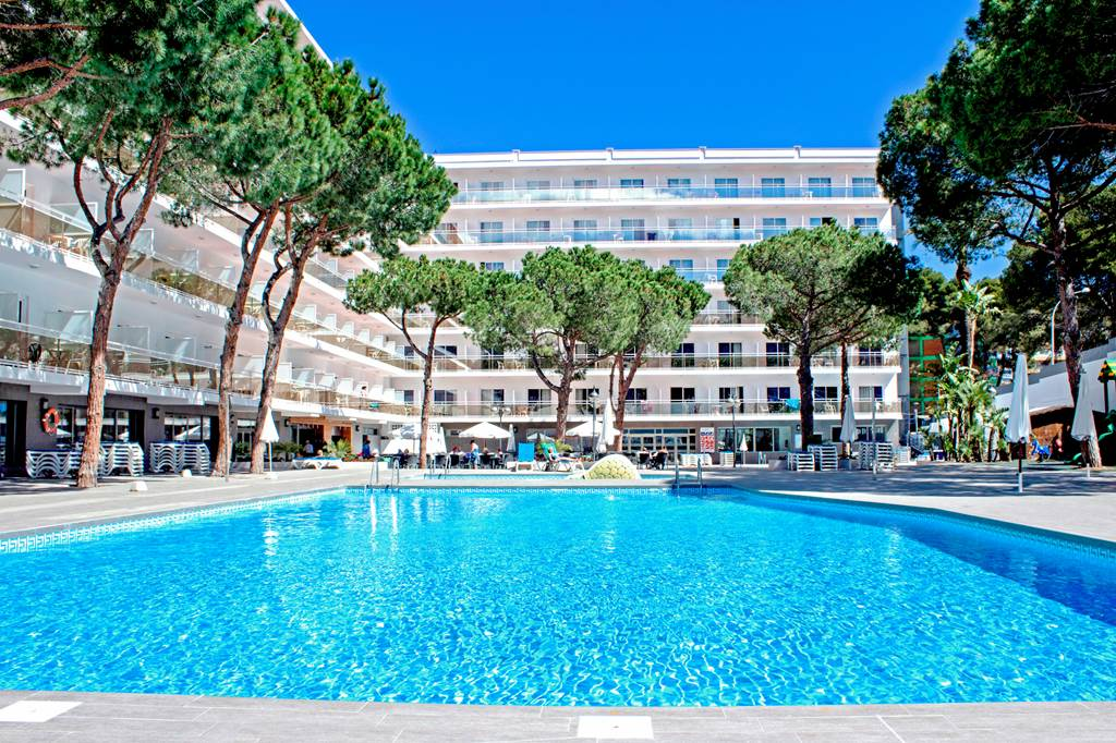 Late Family Offer to Salou - Image 1