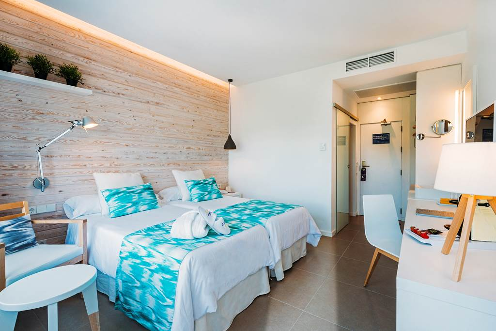 Adult Only Luxury in Palma Nova Summer '20 - Image 3