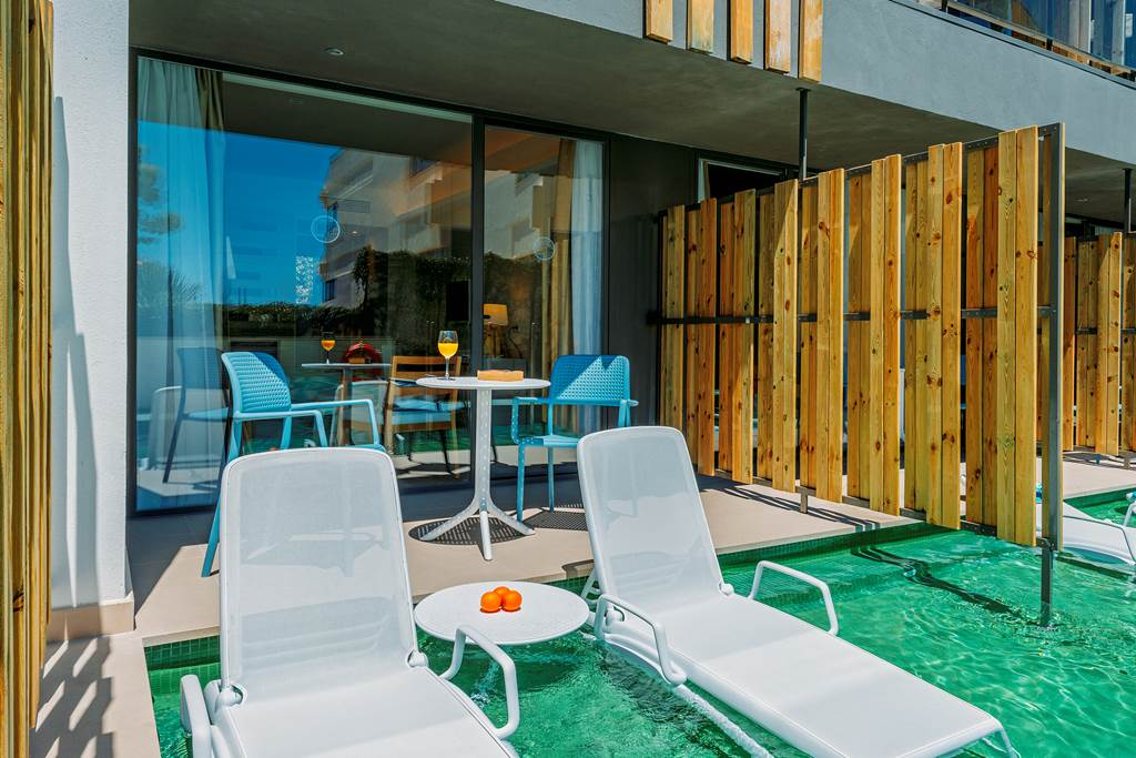 Adult Only Luxury in Palma Nova Summer '20 - Image 4
