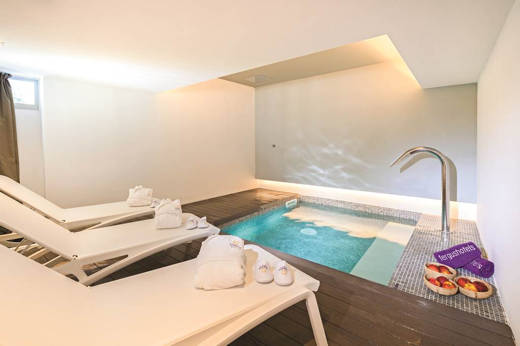 Adult Only Luxury in Palma Nova Summer '20 - Image 5