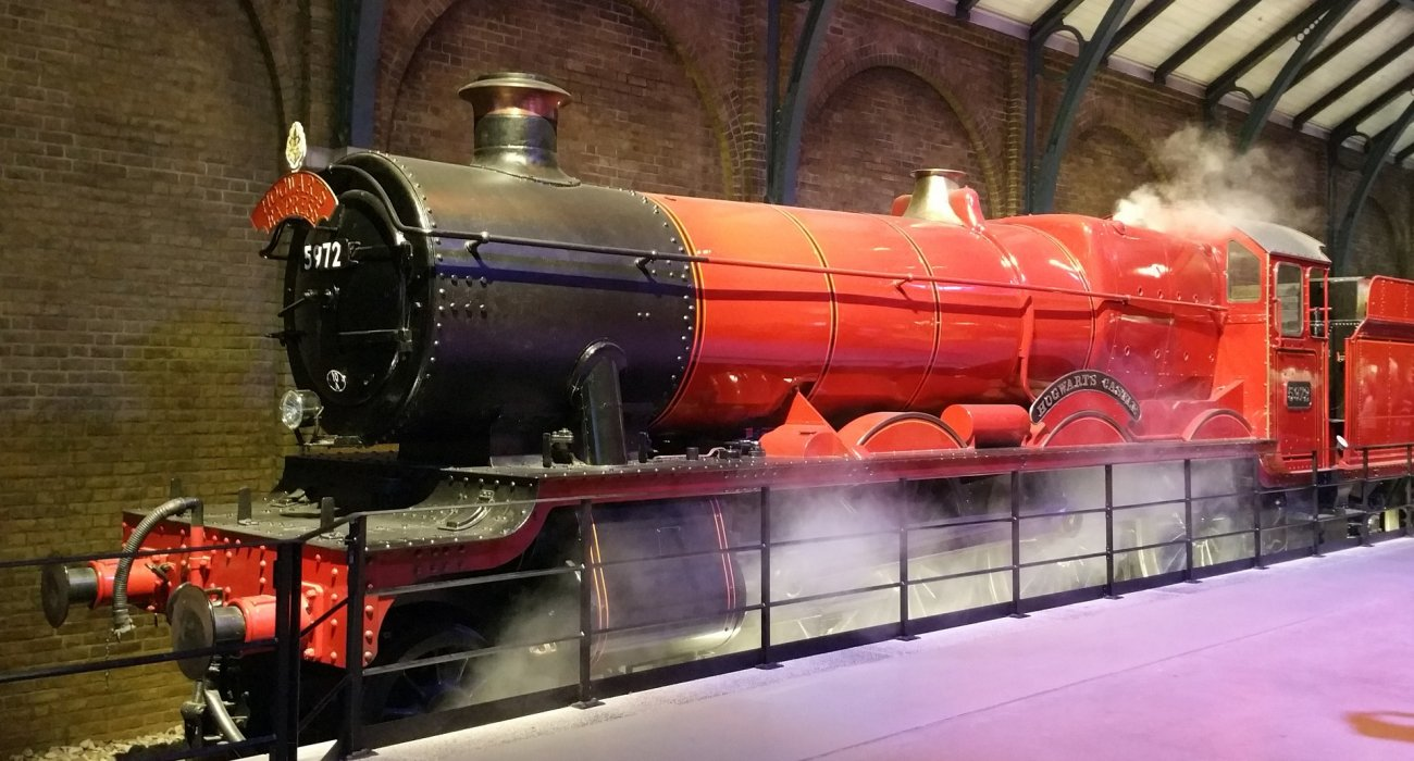 Harry Potter Christmas Time Packages - Image 1