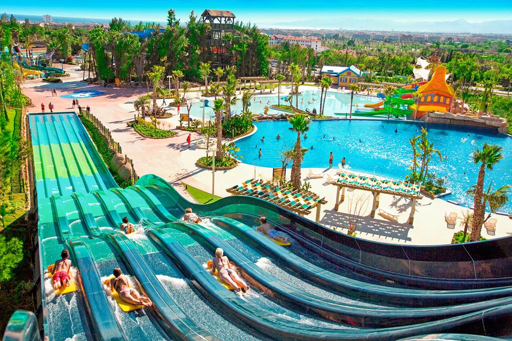 Salou Family Deal including Park Tickets! - Image 1