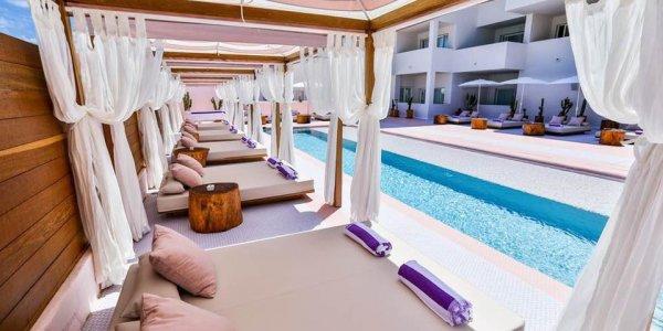 Ibiza in PINK Girls Trip