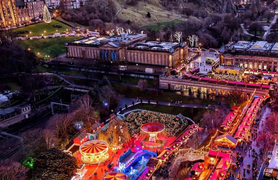 Christmas markets in Edinburgh - Image 1