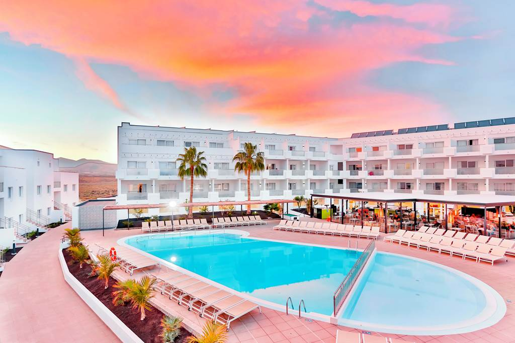 4* Half board Offer in Lanzarote - Image 1