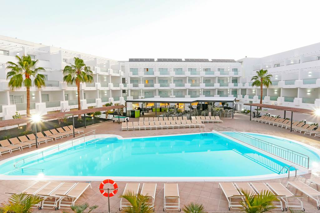 4* Half board Offer in Lanzarote - Image 2