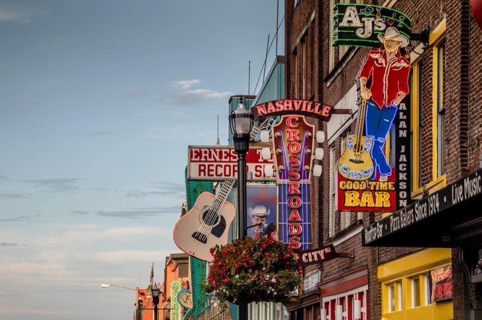 Las Vegas & Nashville USA Duo - Image 1