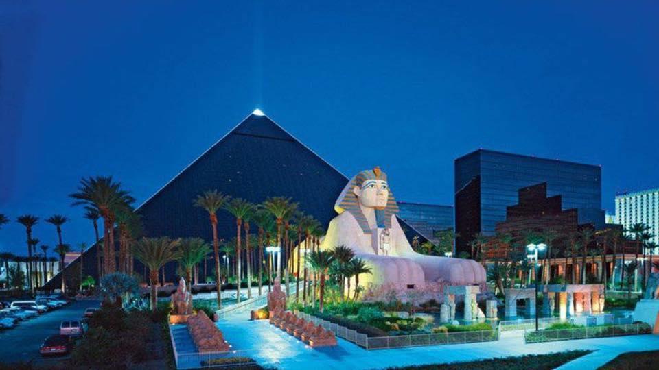 Spend Christmas in Las Vegas - Image 3