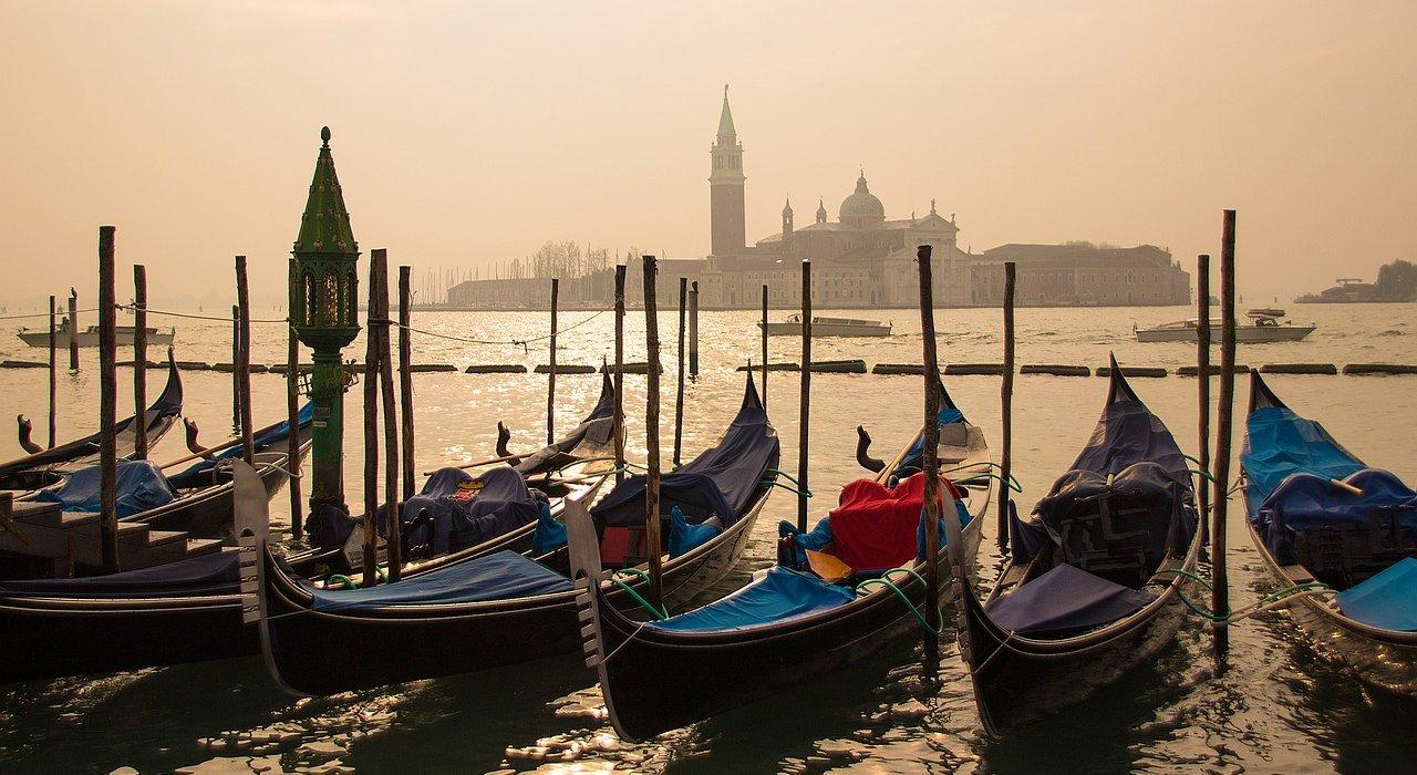 Venice Italy Spring Breaks - Image 2