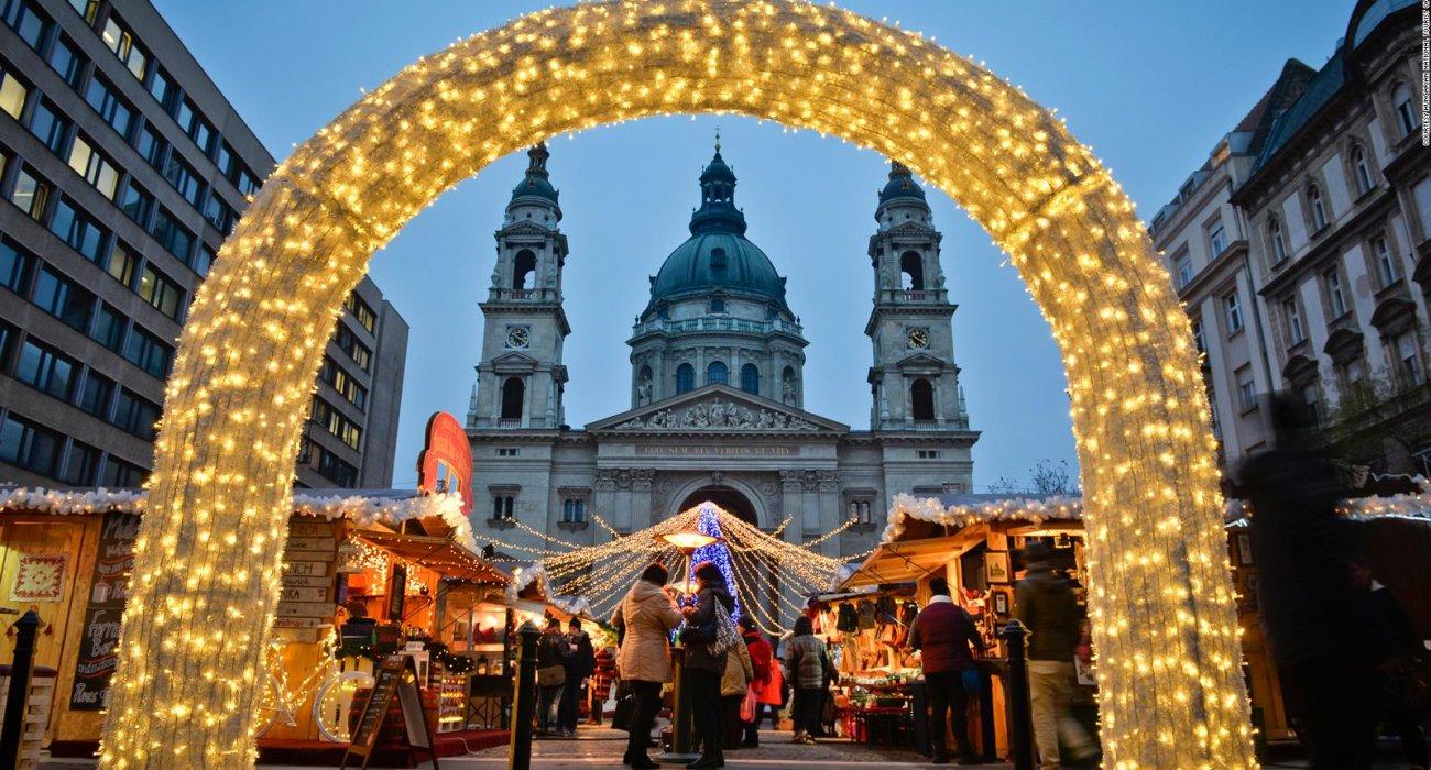 Budapest Christmas Markets City Breaks - Image 6