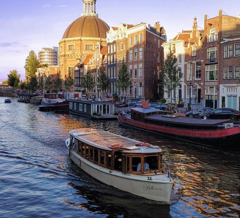 Amsterdam Christmas City Break Present - Image 1