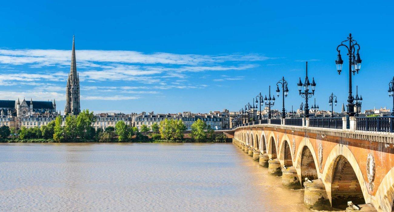 BORDEAUX France CITY BREAK - Image 1