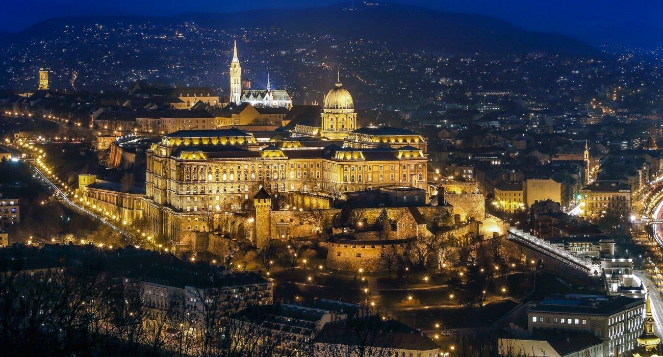 Budapest Christmas City Break Present - Image 2
