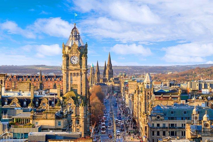 Edinburgh Citybreak Christmas Gift - Image 1