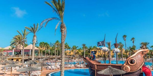 Fuerteventura Fortnight Family Cracker