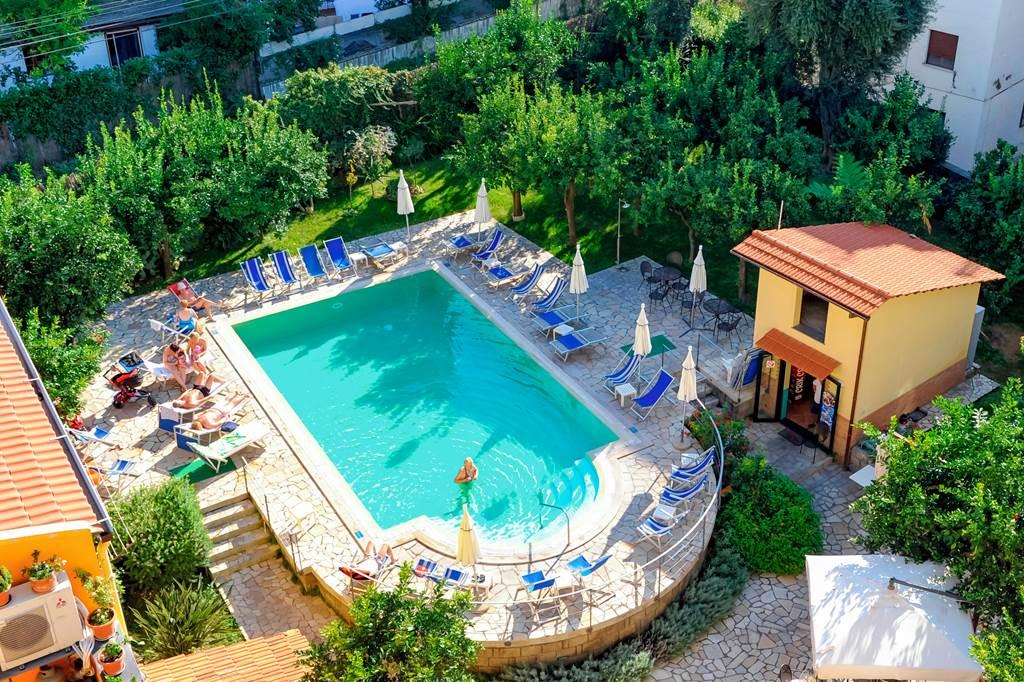 Stunning Summer Sorrento Offer - Image 1
