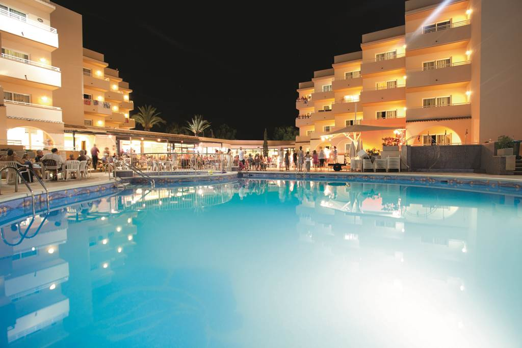 FAMILY July OFFER TO IBIZA - Image 3