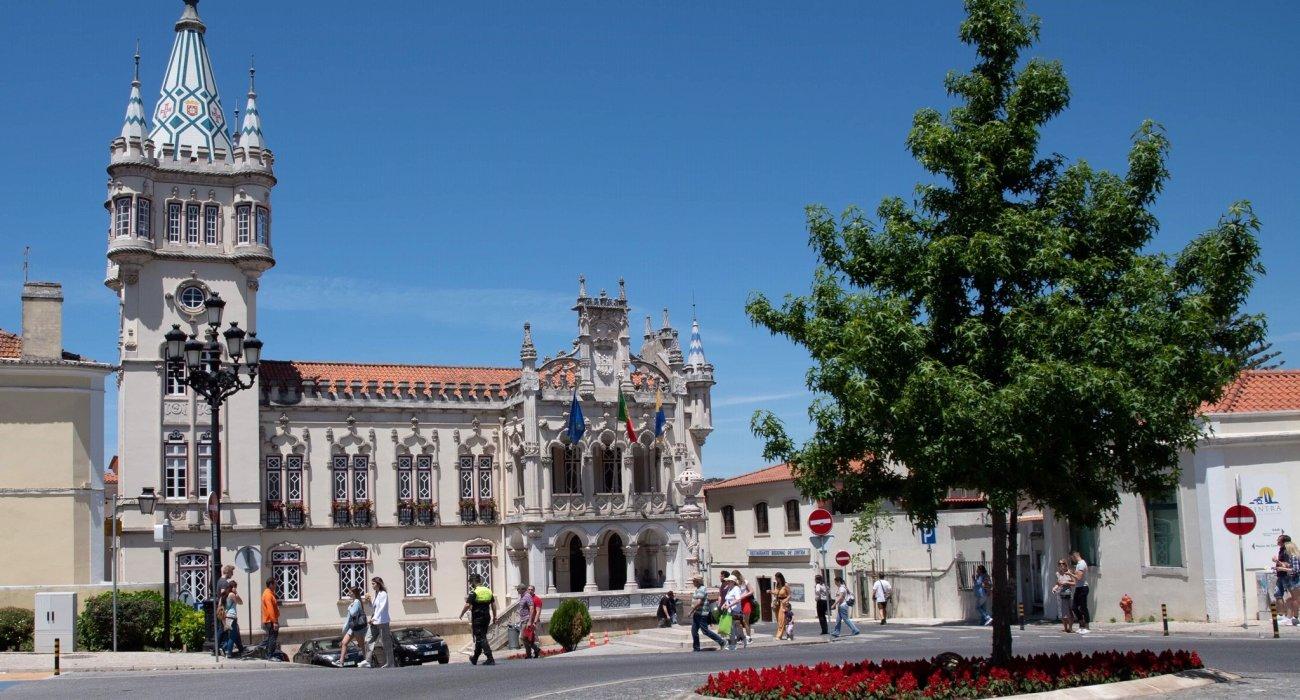 Christmas Gift Inspiration 4* Lisbon City Breaks - Image 2