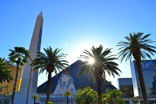 Christmas in Orlando & Las Vegas - Image 2