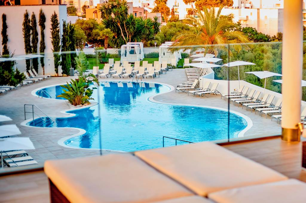 4*PLUS ADULTS ONLY IN MAJORCA - Image 7