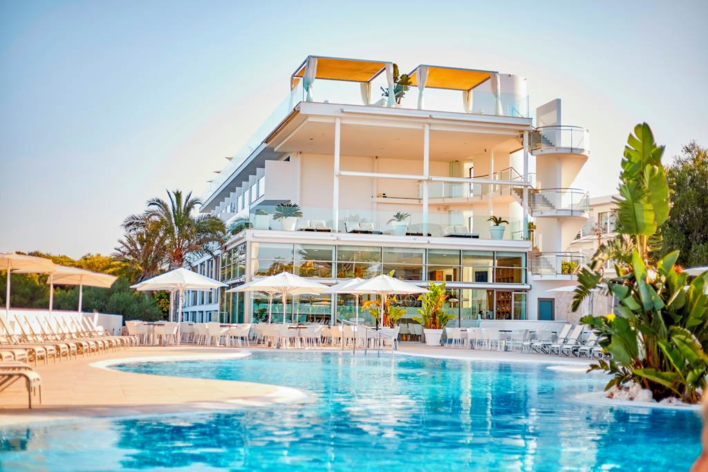 4*PLUS ADULTS ONLY IN MAJORCA - Image 6