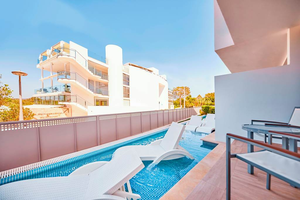 4*PLUS ADULTS ONLY IN MAJORCA - Image 4