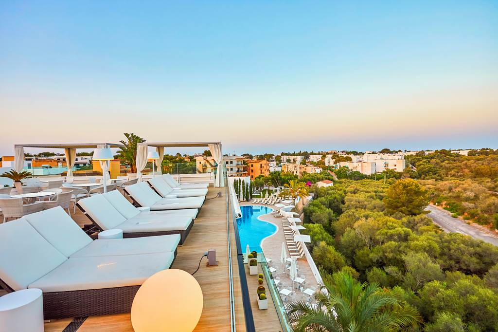 4*PLUS ADULTS ONLY IN MAJORCA - Image 1