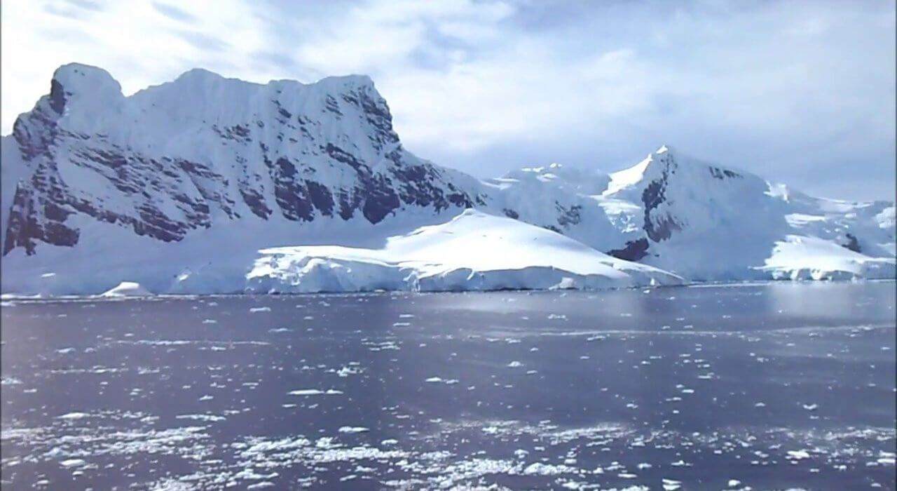 Antarctica Cruise on 5* Celebrity Eclipse - Image 4