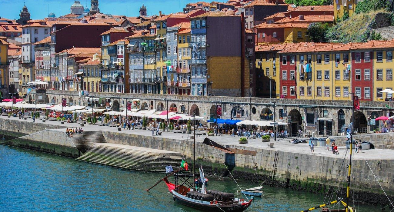 4* Porto City Breaks Christmas Gift Inspiration - Image 1